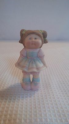 Vintage 1984 Cabbage Patch Doll Ceramic Figurine Brown Haired Girll