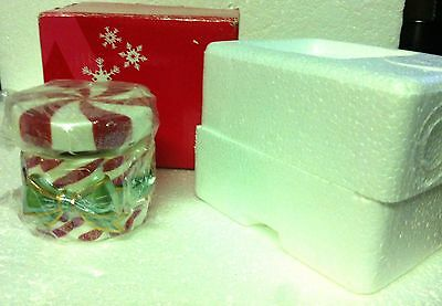 AVON Holiday Poured Candle Peppermint Box - Xmas Decoration - Christmas Candle