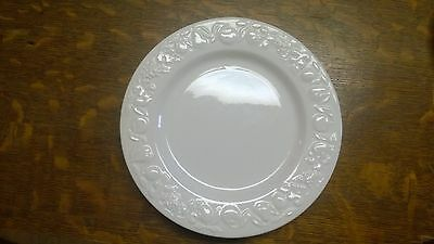 """Windsor & Brown Made in Italy White Embossed Fruit & Vine Salad Plates 8 5/8"""""""