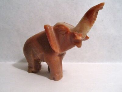 "HAND CARVED CARAMEL COLORED BANDED AGATE 5"" ELEPHANT FIGURINE - NO RESERVE"