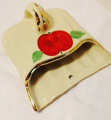 Vtg Ceramic Wall Pocket Dust Pan Silent Butler Planter Apple Detail On Cream Por