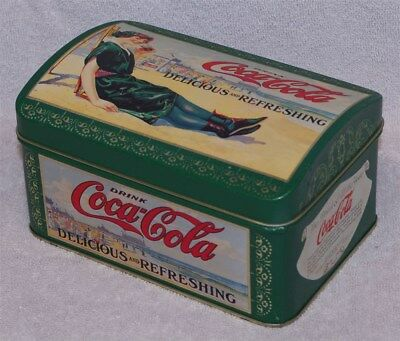 Green Coca-Cola Delicious And Refreshing Treasure Chest Tin, 1994 - Very Good!