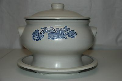 Pfaltzgraff 3pc Yorktowne Large Covered Soup/Chili Tureen with Lid & Under Plate