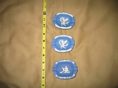 BEAUTIFUL 3 SMALL BLUE COLLECTOR PLATES