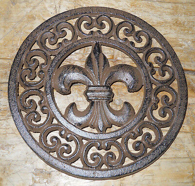 Cast Iron Round FLEUR DE LIS Plaque Sign Rustic Saints Decor TRIVET French