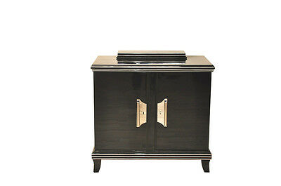 Delicate shapely Art Deco Chest of drawers