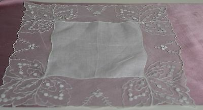 Sweet Vintage Embroidered Netlace Linen Wedding Hanky Pp647