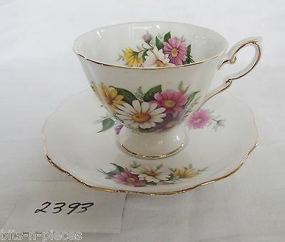 ROYAL STANDARD bone china England Cup & Saucer ASTERS DAISY floral