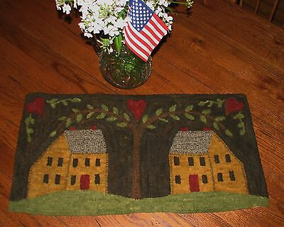 """Primitive Hooked Rug Pattern On Linen """"Welcome Home"""""""