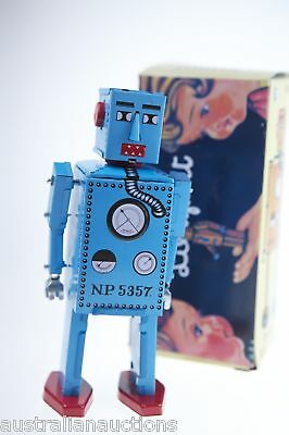 Robot Lilliput Classic Wind-Up Clockwork Tin Toy Blue First Mass Produced Toy
