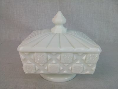 """Westmoreland Milk Glass Old Quilt Pattern square Covered Candy Dish 5"""" tall"""