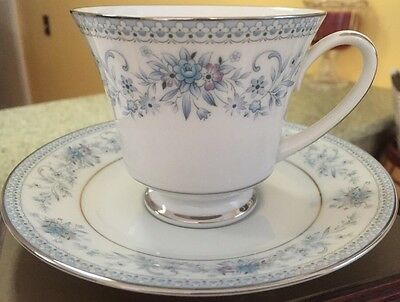 Noritake Blue Hill 4 Cup & Saucer Sets 2482 Platinum Rim Contemporary