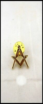 18ct Gold Plated Square and Compass Lapel Pin (Free Delivery)