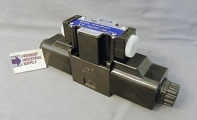D03 hydraulic solenoid valve 4 way 3 position ALL PORTS OPEN center 24VDC