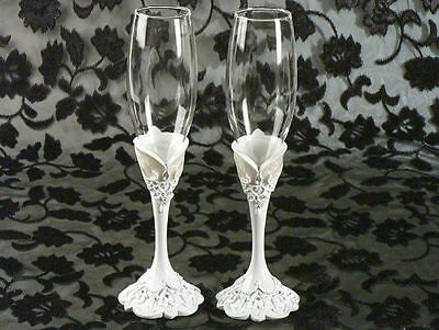 Eleganza Lace Design Toasting Flutes Set Wedding Toasting Glasses