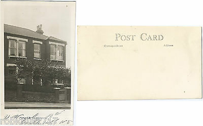CPA postcard House 21 Womersley Road Crouch Hill London Londres N8 9AE [690 R]