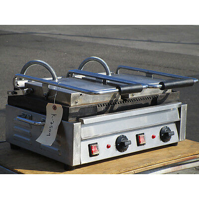 Omcan SG10176 Double Ribbed Panini Sandwich Grill, Very Good Condition