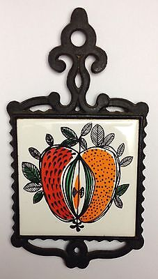 antique Vintage Cast Iron skillet pan wall Trivet Apple with Seeds Hotplate Deco