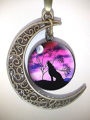 Vintage Style Bronze Crescent Moon Howling Wolf Pendant Necklace