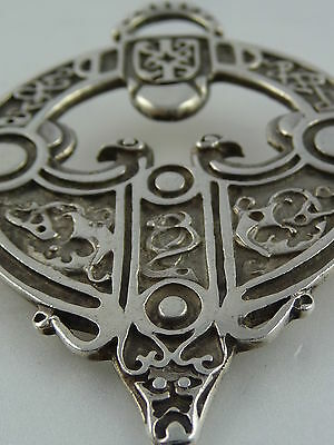 1977 Ola Gorie Rousay Brooch Pin Zoomorphic Viking Scottish Silver Boxed