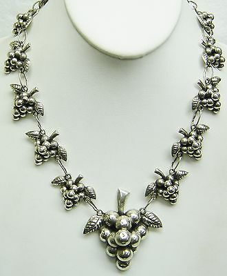 Mexican  Silver Grape Design Necklace 19 Inches N310-F
