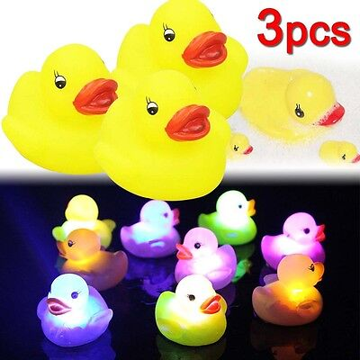 3Pcs Yellow Baby Kids Children Bath Toy Rubber Race Squeaky Duck of LED Light LN