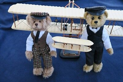 WRIGHT BROTHERS BEARS AND PLANE Cooperstown  Bears  by: Bev White  Rare - Mint!