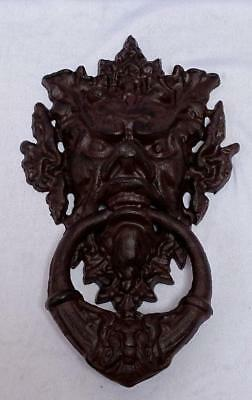 G203: Large Grotesque mask Door knocker from Cast iron, In Country House Style