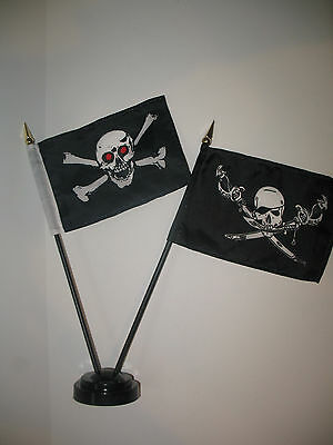 "Jolly Roger Red Eye Pirate Skull Flag 4/""x6/"" Desk Set Table Stick Gold Base"
