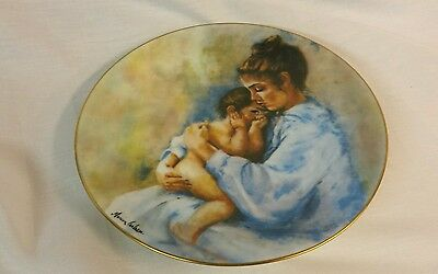 1975 Laura and Child LIMITED EDITION PORCELAIN MARIAN CARLSEN COLLECTOR PLATE