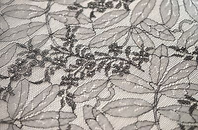 Large Piece Of Shaped Vintage Antique Silk Chantilly Lace Rr406A