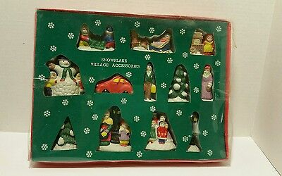 Estate Vintage Snowflake Village Accessories (12) in Original Box Christmas