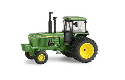 John Deere 4840 Tractor Authentics Highly Detailed 1:64 Scale #45494  Ertl 2015