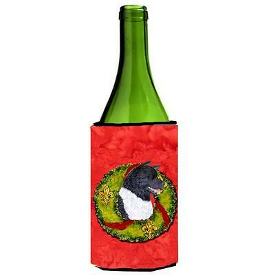 Carolines Treasures SS4208LITERK Akita Cristmas Wreath Wine bottle sleeve Hugger