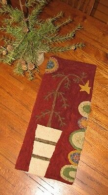 "Primitive Hooked Rug Pattern On Linen ""Charlie's Tree"""