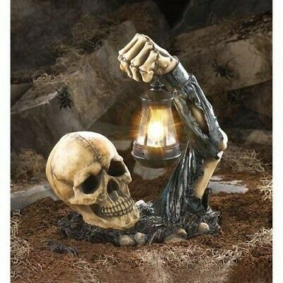 Dead Rising Graveyard Skeleton Skull With Lantern Garden LED Solar Light Statue