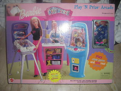 BARBIE - Play 'n Prize Arcade - Game room - Toy library - with Pinball OVP/NRFB