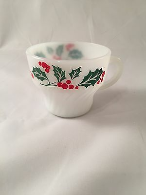 Vintage Termocrisa Christmas Holiday Milk Glass coffee mugs - set of 4
