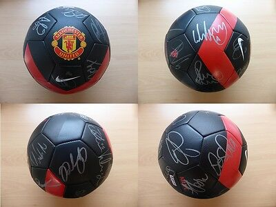 2009-10 Man Utd Football Signed by 23 inc. ROONEY, GIGGS & SCHOLES (7040)