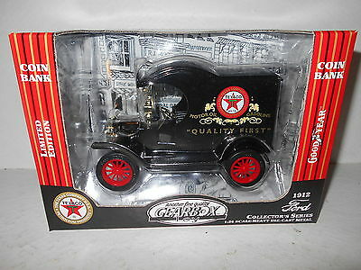 Gearbox 1912 Ford Delivery Car - Texaco - Limited Edition - Collector's Set