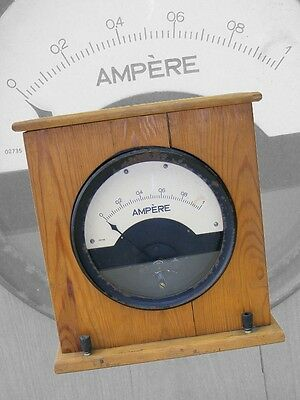 altes analoges Messgerät Multimeter Voltmeter Ampermeter