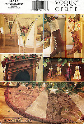 1990's  VOGUE Christmas Holiday Home Accents by Margot Hotchkiss Pattern 9717