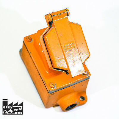 Crouse-Hinds CPS152R-M6 Explosion Proof Female Receptacle - Painted Orange