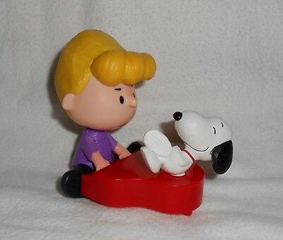 2015 McDonalds THE PEANUTS MOVIE - SCHROEDER AND SNOOPY Figure Happy Meal Toy #9