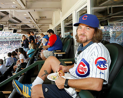 Eddie Vedder @ Mlb Chicago Cubs Game Pearl Jam Rock Group Band 8X10 Music Photo