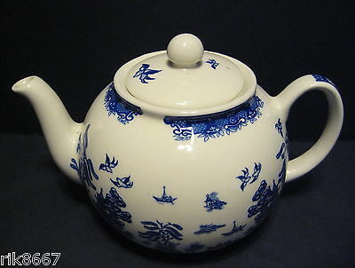 6-8 Cup Tea Pot Willow Pattern By Heron Cross Pottery England