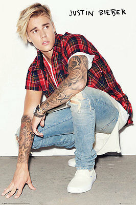 JUSTIN BIEBER - CROUCH IN JEANS POSTER (91x61cm)  NEW WALL ART