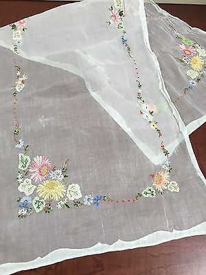 "Vintage White Organza Applique Table Runner Floral Detail~ 15 1/2"" x 42"""