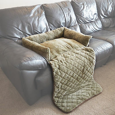Medium Quilted Green Fleece Fold Out Pet Bed Cat/Dog Sofa/Couch/Chair Protector