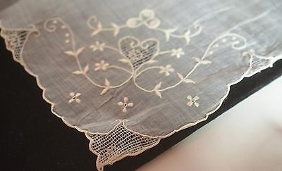 Romantic Vintage Linen Hanky With Hand Embroidered Heart - Rr565
